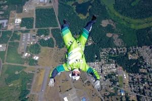 Luke Aikins durant un saut d'entraînement pour Heaven Sent. (PRNewsFoto/Mondelēz International)